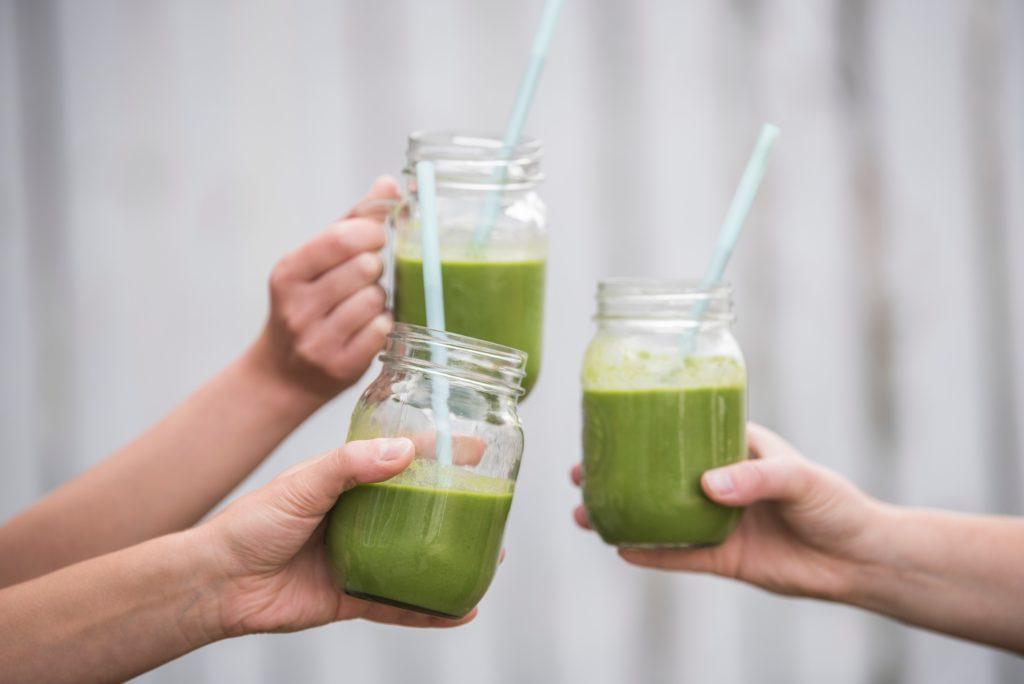 Drei grüne Smoothies