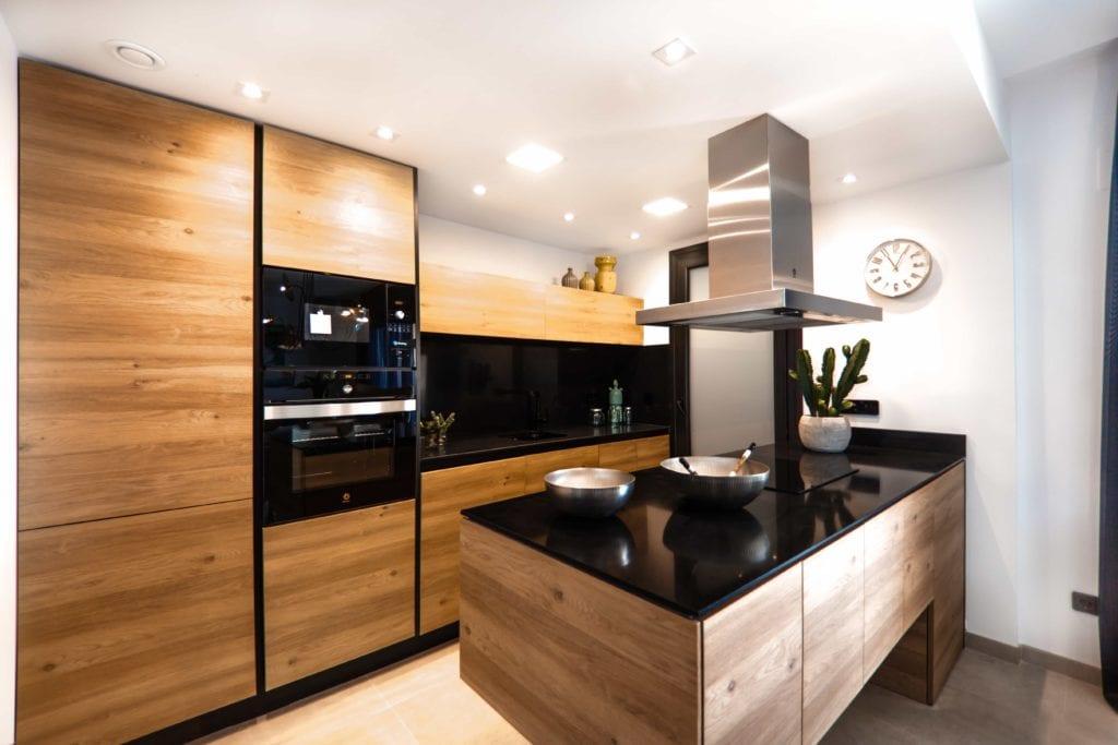 Schöne Küche Modern mit Einbauherd