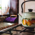 Teekanne auf Gasfeld