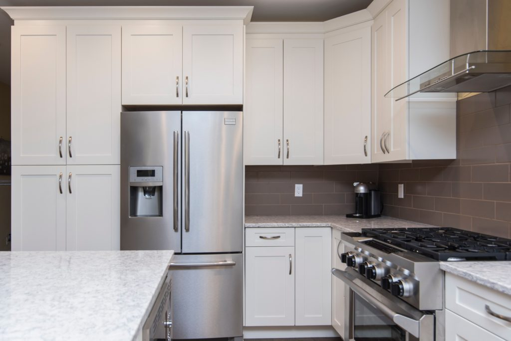 Kühlschrank und Elektroherd