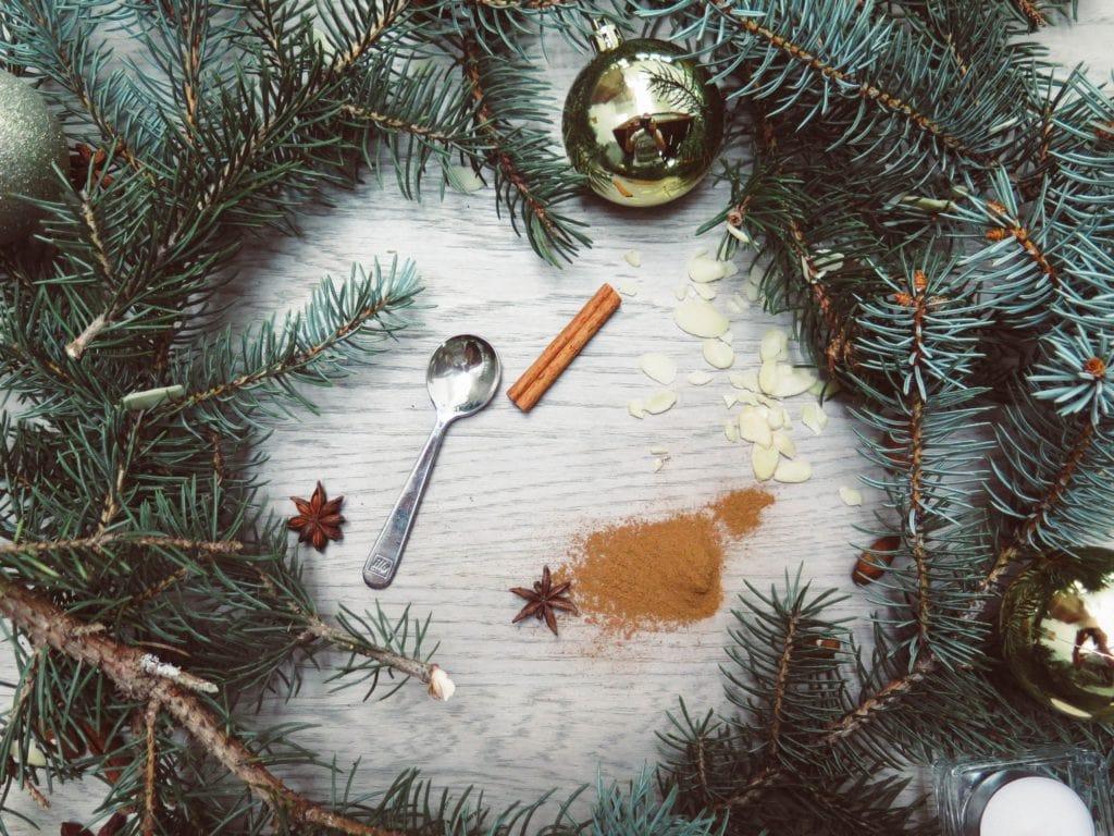 Weihnachten und Zimt