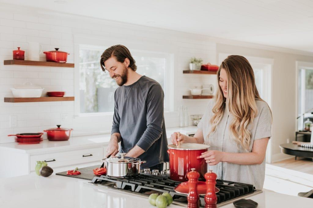 Zusammen am Kochen